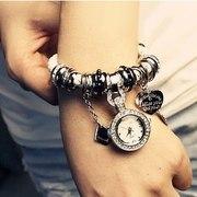 Часы-браслет в стиле Pandora